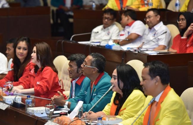 LAMPUNG POST | Kisruh Presidential Threshold Munculkan Empat Kubu di DPR