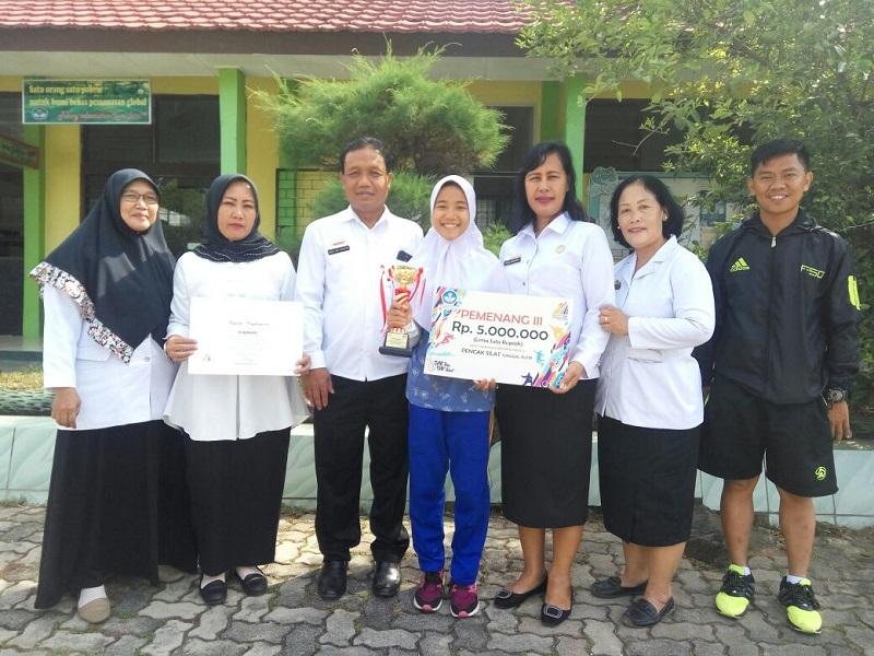 LAMPUNG POST   Siswi SMKN 1 Bandar Lampung Juara III O2SN