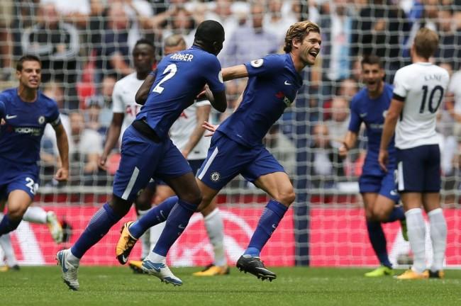 LAMPUNG POST | Dwigol Marcos Alonso Bawa Chelsea Tekuk Spurs