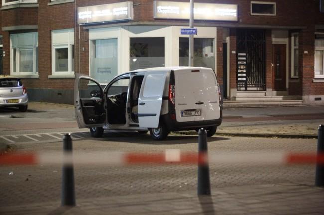 LAMPUNG POST | Batalkan Konser Rock, Polisi Belanda Amankan Van Berisi Tabung Gas