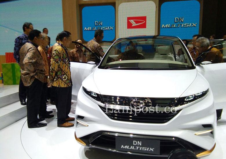 LAMPUNG POST | Perdana, Daihatsu Pamerkan Dua Mobil Masa Depan di GIIAS 2017