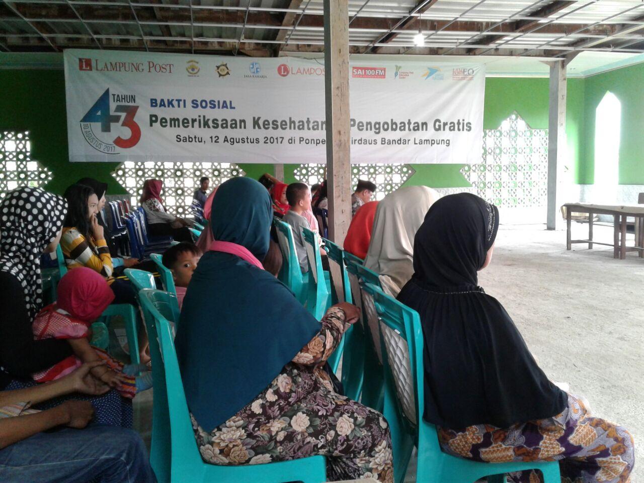 LAMPUNG POST   Rangkaian HUT,  Lampung Post Gelar Bakti Sosial Kesehatan