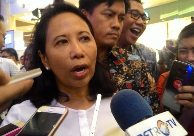 LAMPUNG POST | Menteri Rini Kumpulkan Direksi BUMN di Hari Lebaran