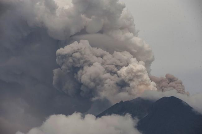 Pengungsi Gunung Agung Mulai Terkena ISPA