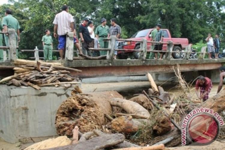 Banjir di Mandailing Natal Berangsur Surut