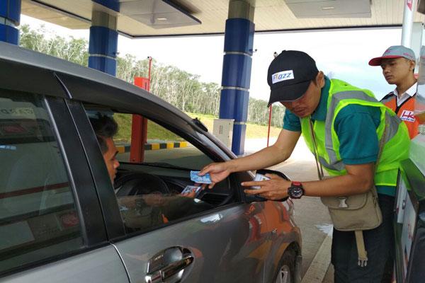 Warga Uji Coba Jalan Tol Lampung