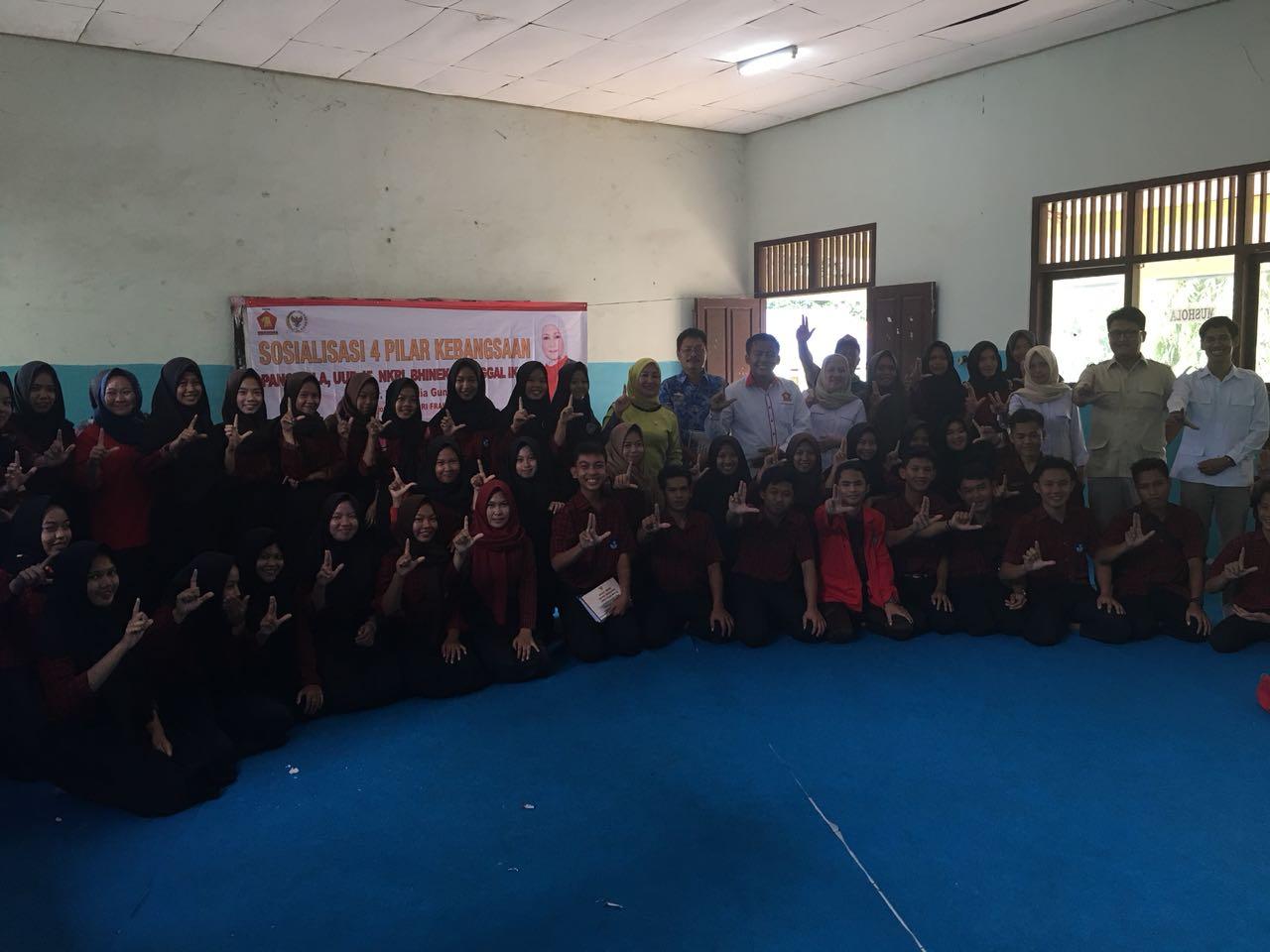 Anggota DPR Tanamkan Nilai Kebangsaan kepada Pelajar