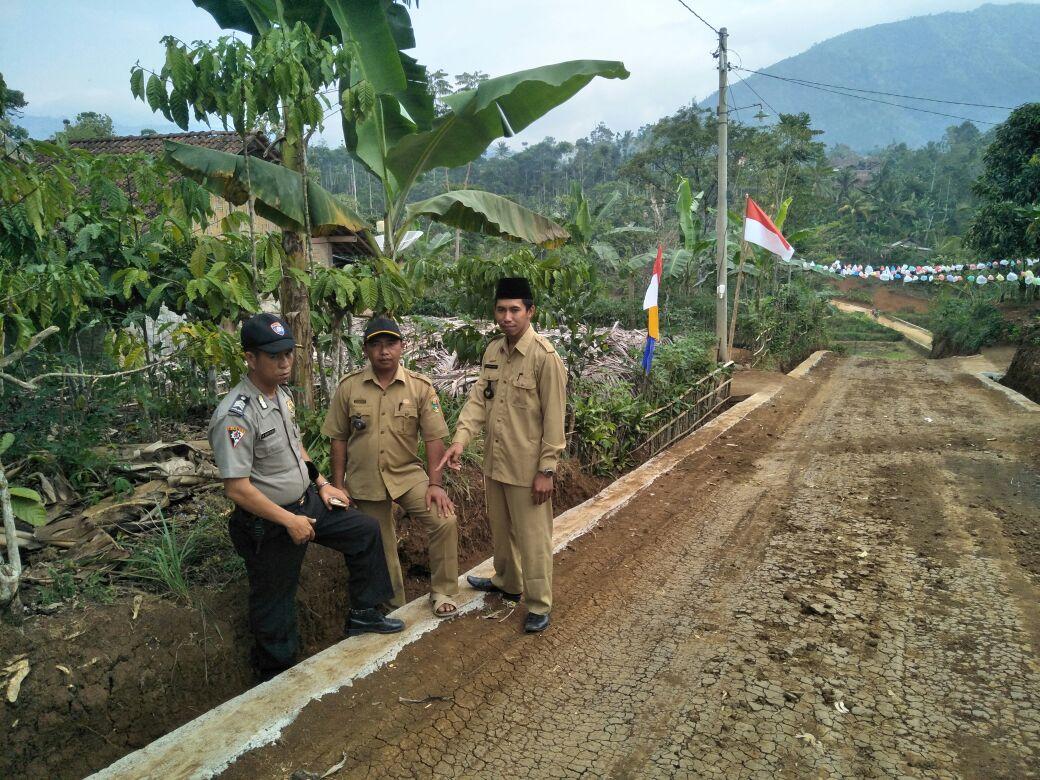 LAMPUNG POST | Pekon Gunungsari Bangun Talut 1,2 Kilometer