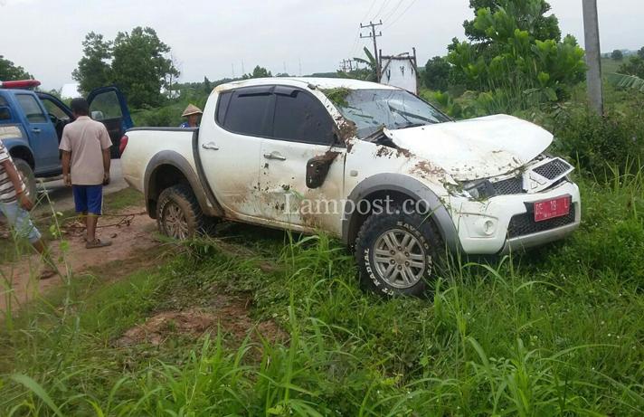 LAMPUNG POST | Kecelakaan Tunggal di Jalintim, Plt Camat Way Serdang Terluka