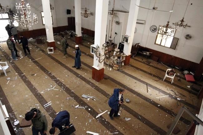 LAMPUNG POST | Ledakan Guncang Masjid di Libya, Satu Tewas dan 149 Terluka