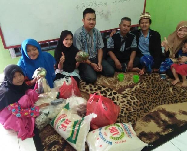 Hasil gambar untuk Kegiatan Getar Lampung berbagi