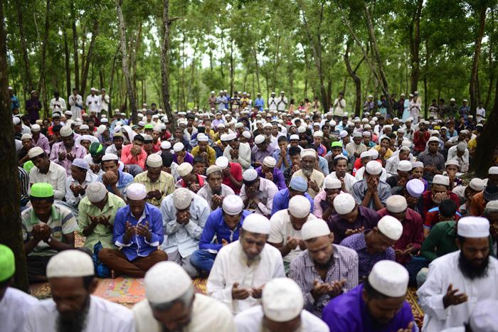 LAMPUNG POST | Pengungsi Muslim Rohingya Membeludak, PBB: Mereka Kelaparan