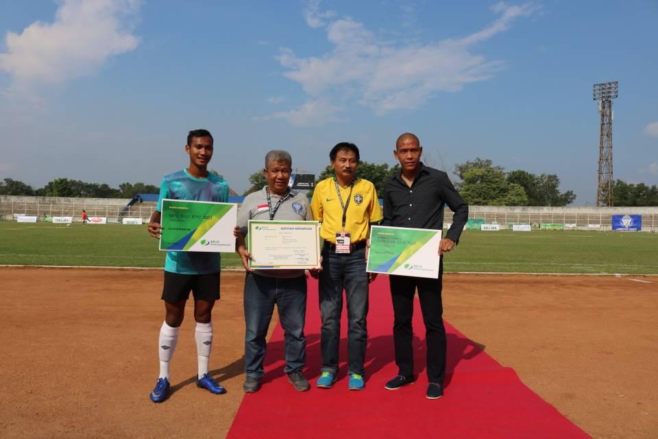 LAMPUNG POST | Pertama di Indonesia, BPJSTK Bandar Lampung Gandeng Klub Sepak Bola