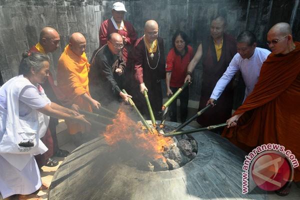 LAMPUNG POST | Perayaan Waisak, Jalur Lalu Lintas Menuju Candi Borobudur Dialihkan
