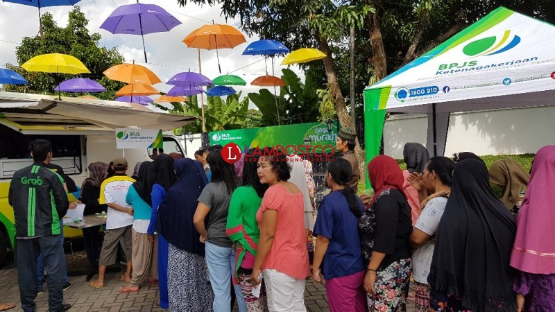 BPJS Ketenagakerjaan Bagikan 800 Paket Sembako Murah