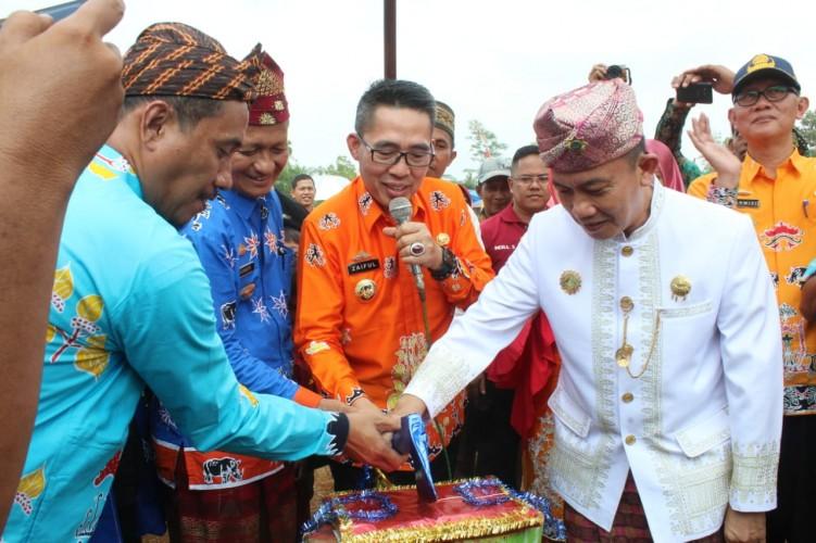 Bupati Lamtim Buka Festival dan HUT Desa Pelindung Jaya