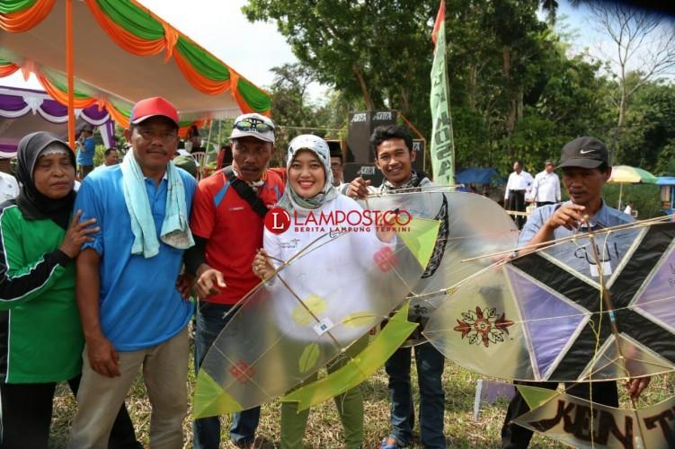 Bupati Lamtim Buka Festival Layang Layang