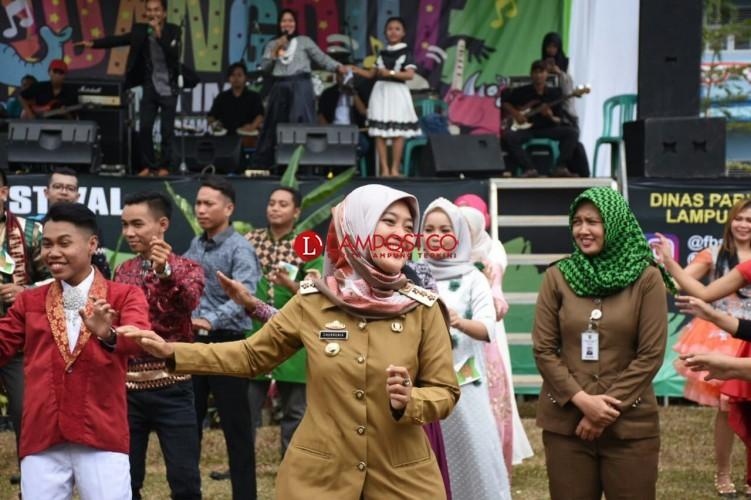 Bupati Lamtim Buka Festival Liga Dangdut