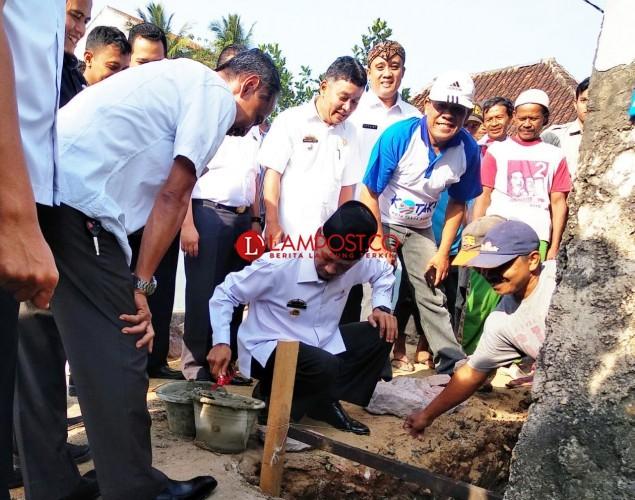 Bupati Pringsewu Letakkan Batu Pertama Pembangunan Gedung Kotaku