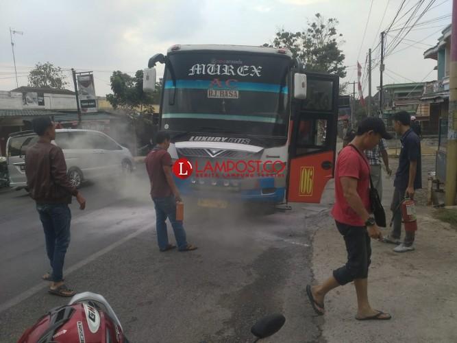 Bus Jurusan Palembang-Bandar Lampung Terbakar