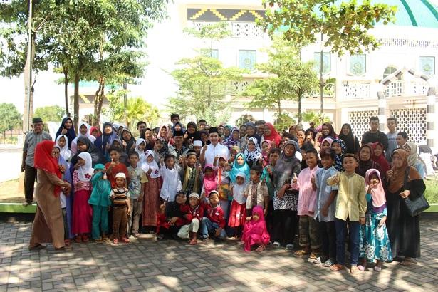 LAMPUNG POST | Bintang Foundation Santuni Anak Yatim