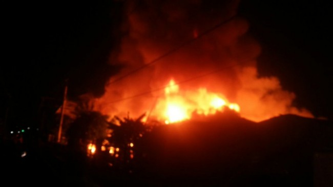 400 Rumah di Taman Kota Ludes Terbakar, 2 Petugas Terluka