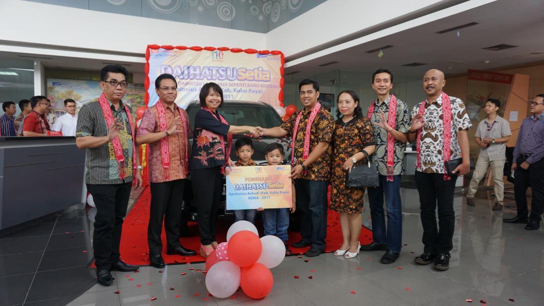 LAMPUNG POST | Daihatsu Serah 8 Unit Mobil Rekondisi di Pontianak