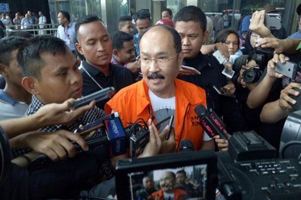 Fredrich Bakal Laporkan Pimpinan KPK ke Polisi