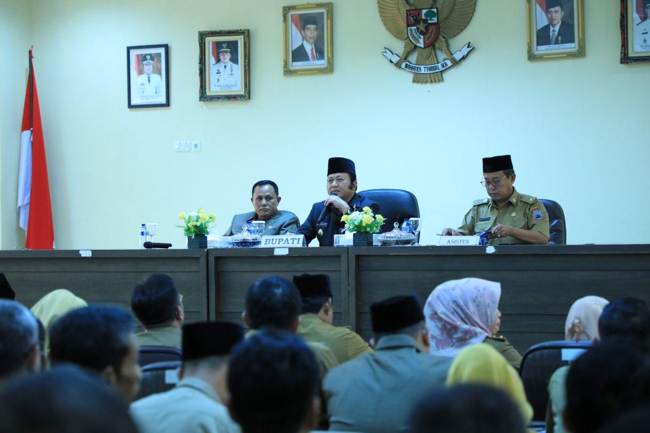 Bupati Lamsel Kumpulkan Pejabat Tingkatkan Evaluasi