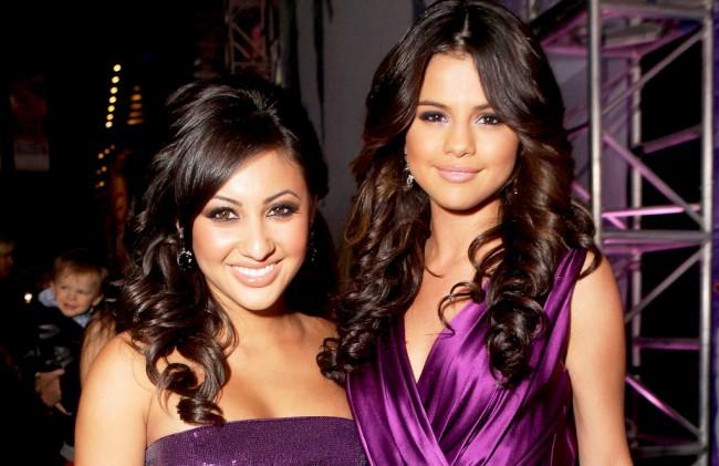 LAMPUNG POST   Selena Gomez Akui Nyaris Tewas Usai Operasi Ginjal
