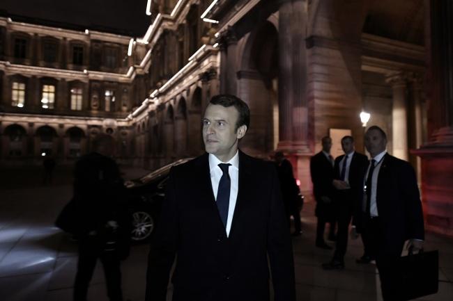 LAMPUNG POST | Menangi Pilpres, Macron Jadi Presiden Termuda Prancis