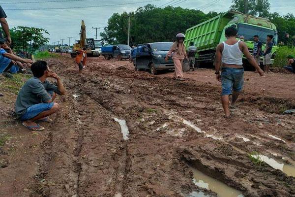 DPRD Tulangbawang Soroti Jalan Nasional Simpang Penawar-Rawa Jitu