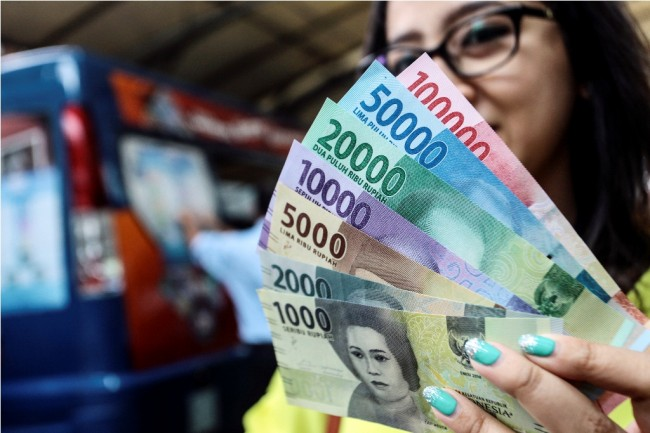 Rupiah Tepantau Menguat di Rp13.768/USD
