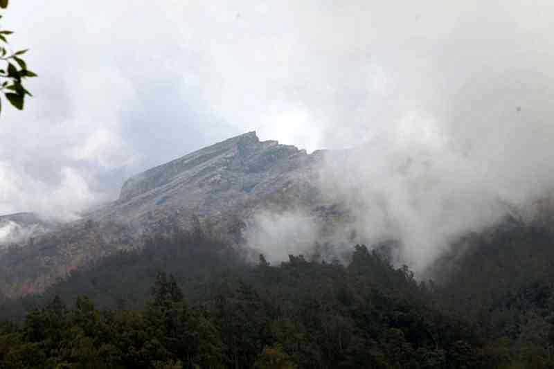 LAMPUNG POST | Ativitas Gunung Agung Meningkat, Pelaku Wisata Sosialisasi Mitagasi ke Wisatawan