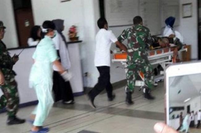 LAMPUNG POST | Kondisi Memburuk, 4 Prajurit TNI Korban Ledakan Meriam Dilarikan ke RSPAD Jakarta