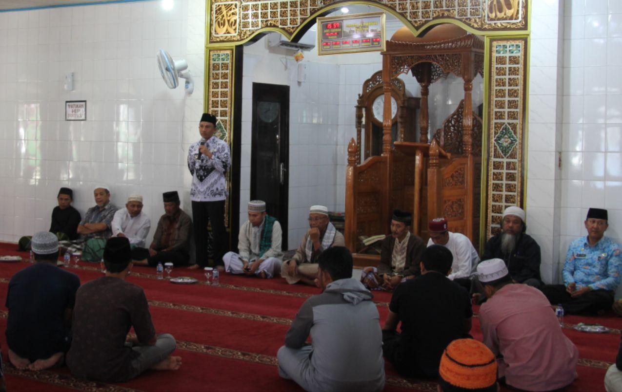Bupati Lambar Rehab Masjid Al-Mansur dengan Ornamen Khas Daerah