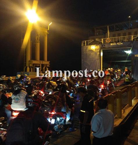 LAMPUNG POST | Arus Balik Terus Mengalir di Pelabuhan Bakauheni