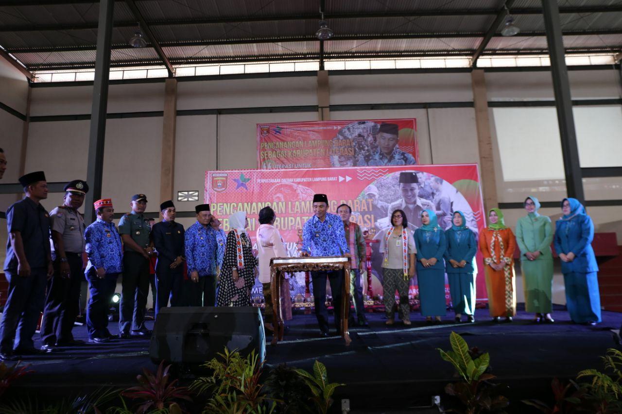 Parosil Canangkan Lampung Barat Sebagai Kabupaten Literasi