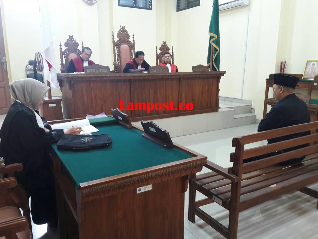 LAMPUNG POST   Kades Gedung Harapan Jatiagung Dituntut 14 Bulan Penjara