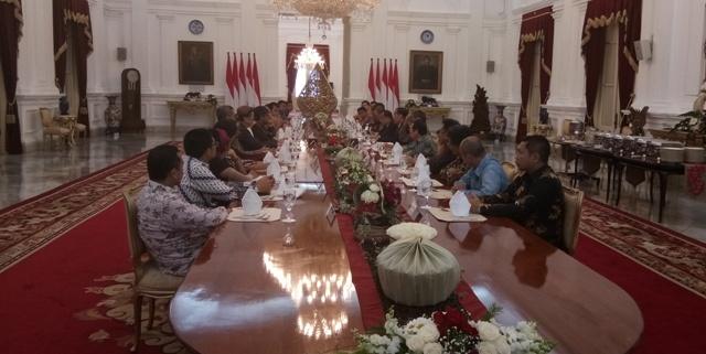 LAMPUNG POST | Jokowi Temui Sejumlah Pemred di Istana