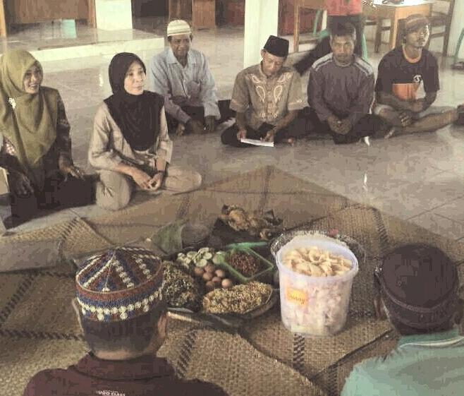 LAMPUNG POST | Warga Desa Kejadian Syukuran Tanda Dimulainya Pembangunan Balai Desa