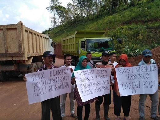 LAMPUNG POST | Pemilik Lahan Protes di Bendungan Way Sekampung