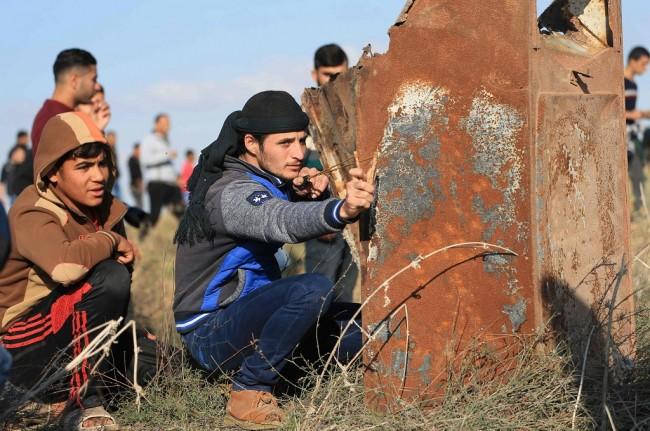 LAMPUNG POST | Bentrok dengan Israel, Dua Warga Palestina Tewas dan Puluhan Terluka