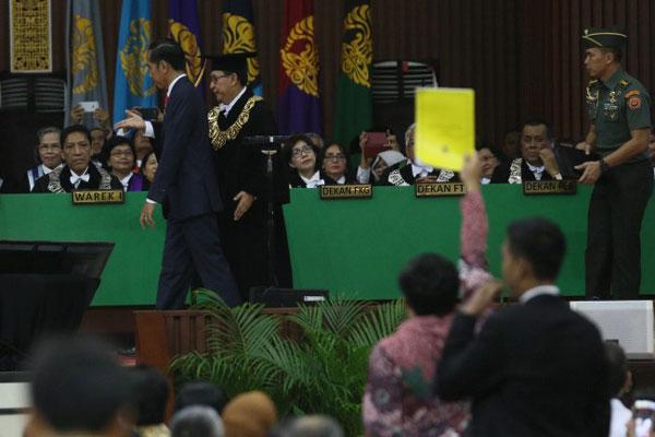 BEM Universitas Indonesia Beri Jokowi 'Kartu Kuning'