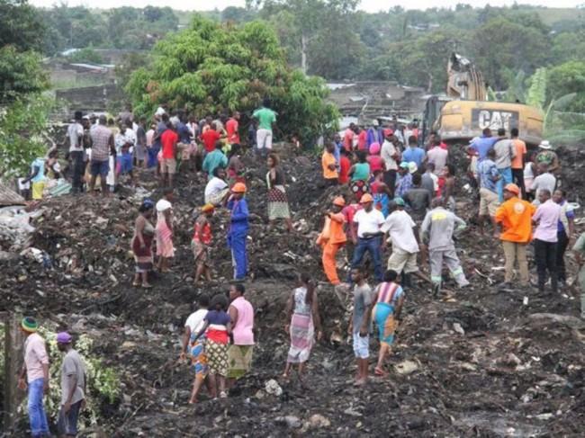 LAMPUNG POST | 17 Tewas Tertimbun Longsoran Gunung Sampah di Mozambik