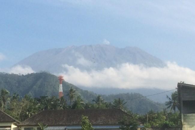LAMPUNG POST | Gunung Agung Sudah Hasilkan 25 Ribu Gempa
