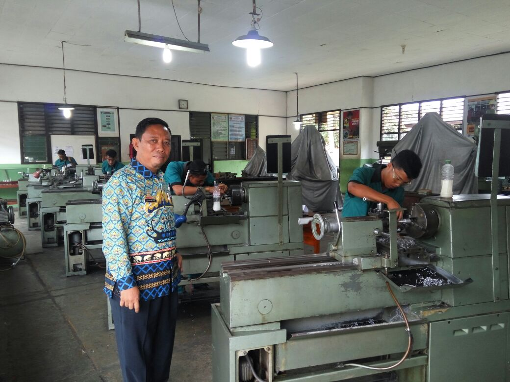 LAMPUNG POST | 584 Siswa SMK Praktek UKK Layaknya Pekerja Profesional
