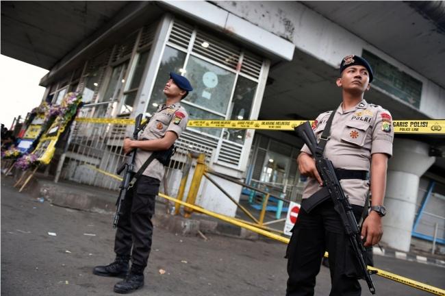 LAMPUNG POST   Densus 88 Tangkap Tiga Terduga Pelaku Bom Kampung Melayu
