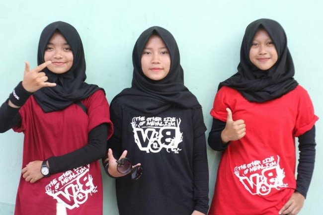 LAMPUNG POST | Trio Hijaber Metal Tampil di Synchronize Festival 2017