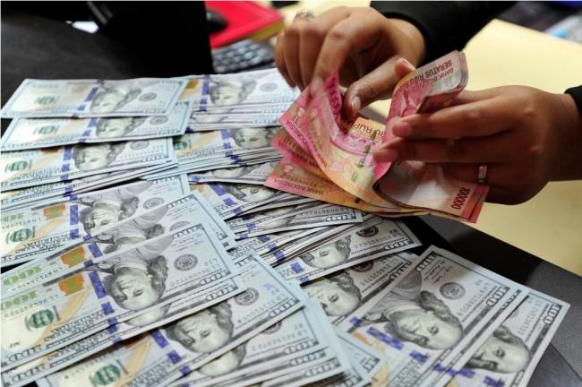 LAMPUNG POST | Awal Pekan, Rupiah Stabil di Rp13.325/USD